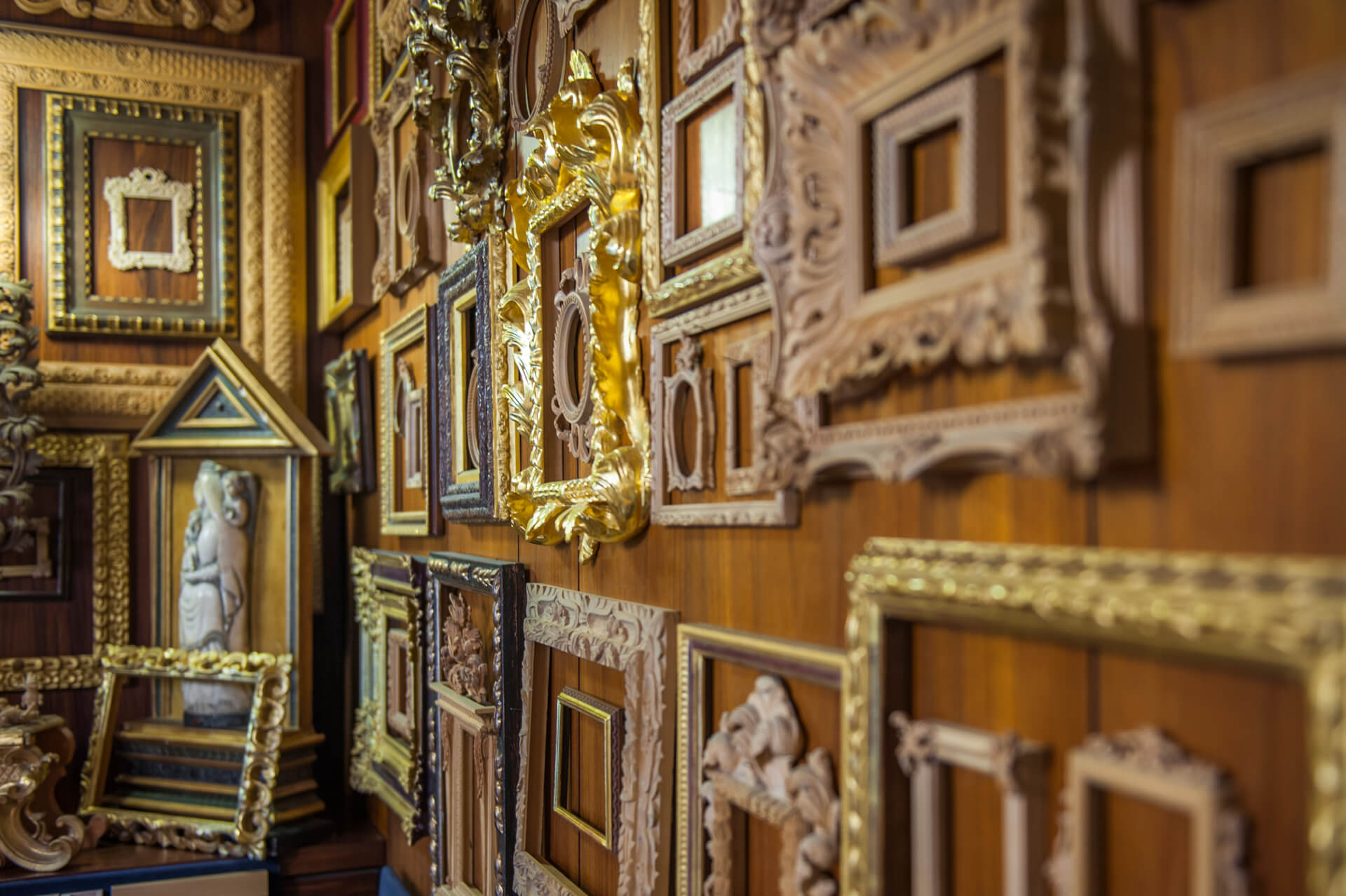 Artisan frame experience in florence