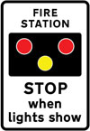 Warning of light signals in the vicinity of a fire station
