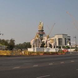 Elephant roundabout