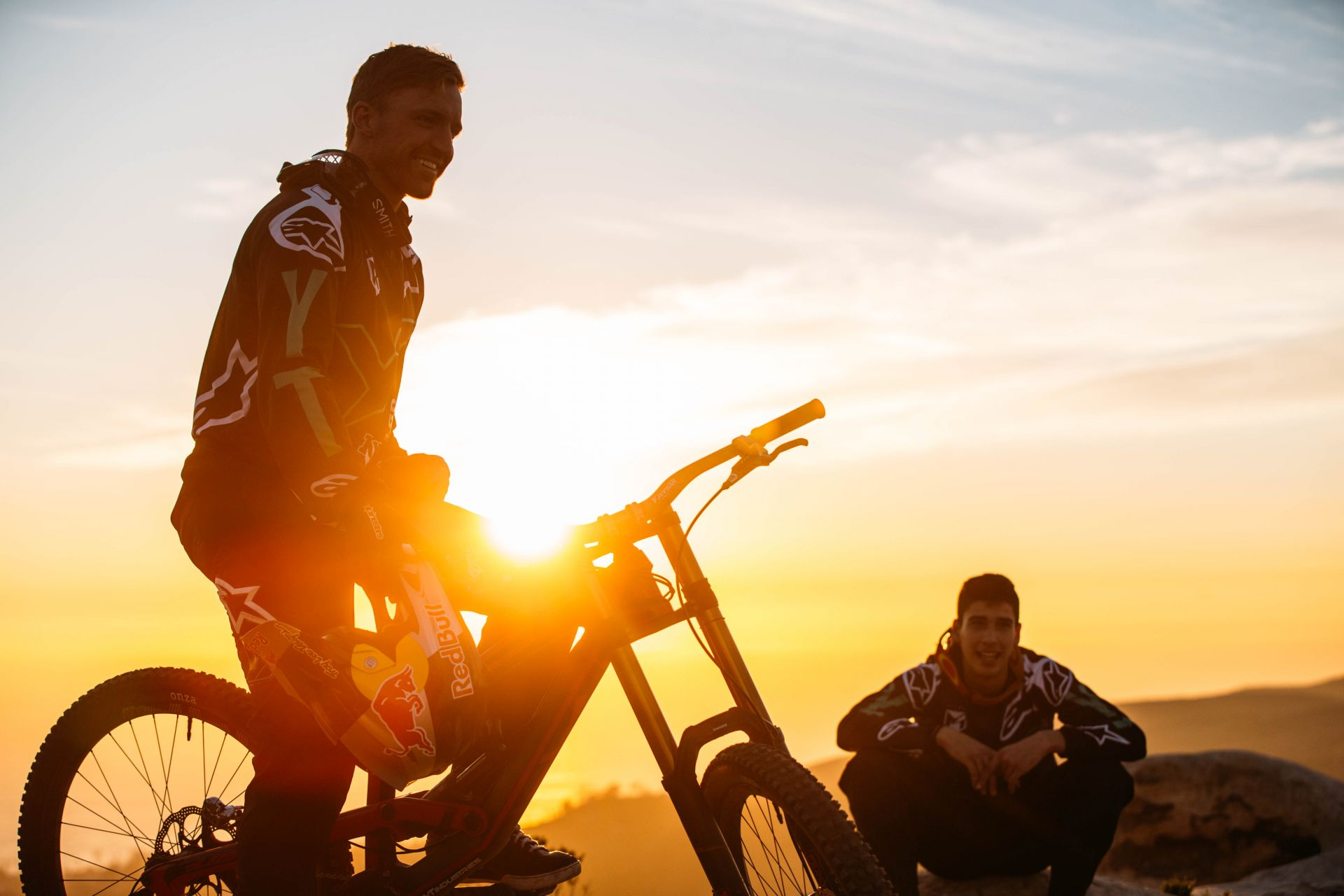 Aaron Gwin and Angel Suarez join the YT Mob