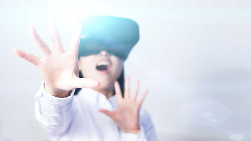 woman VR gasp