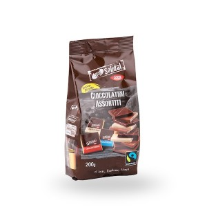 Coop Assorted Milk Chocolate White Chocolate And Dark Chocolate Squares 200g