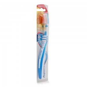 Aquafresh-Clean-Control-Medium-Tooth-Brush_Hero
