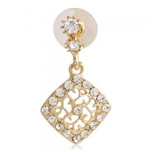 Scarlet-Bijous-Gold-Plated-Earrings_Hero