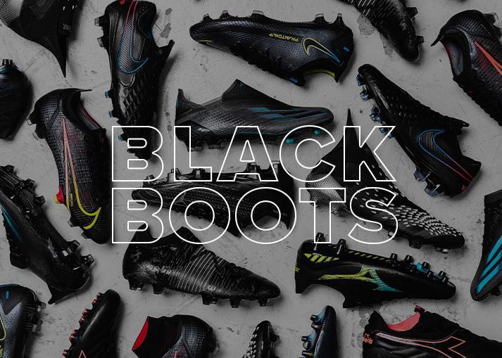 Schwarze Fußballschuhe bei Unisport