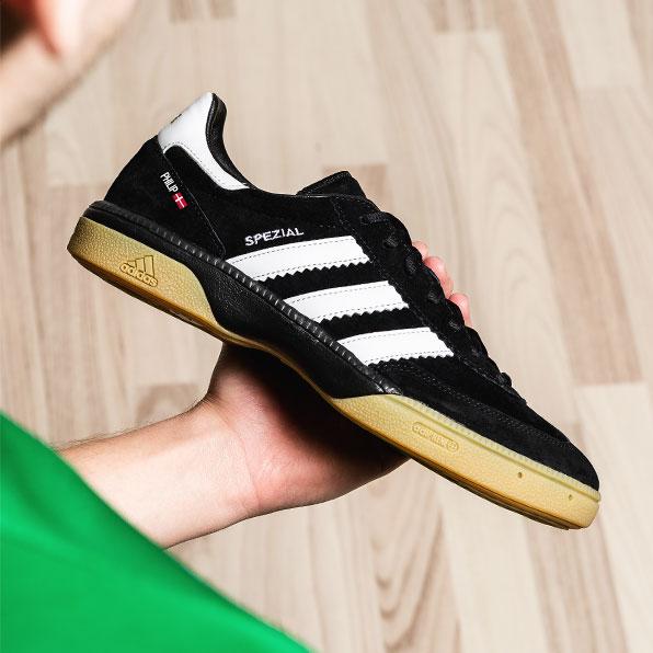 Achetez votre paire de chaussure futsal chez Unisport !