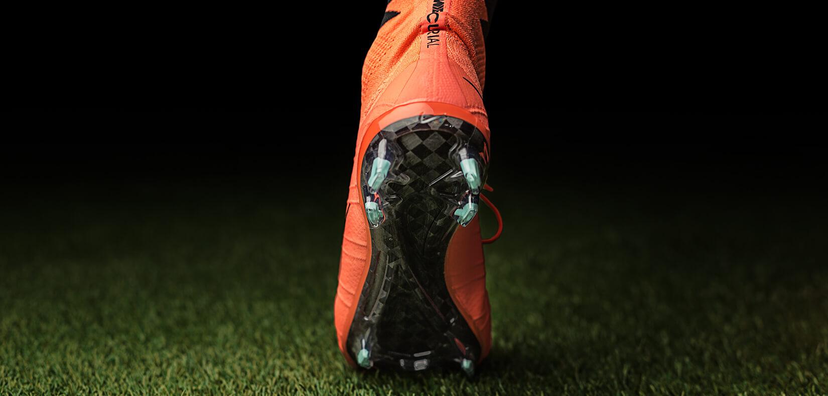 Retirarse Clasificar práctica  New Nike Mercurial Superfly Metal Flash Pack at Unisport