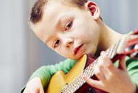 gitarre_musikinstrument_musik_motivation_kinder