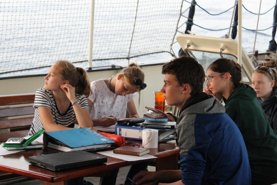 Unterricht an Deck_OceanCollege