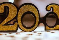 2020_brille_neujahr_konfetti_silvester_januar
