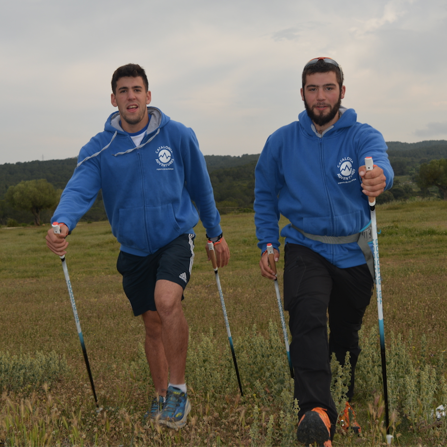 Salidas semanales Nordic Walking, sábados tarde y domingo mañana.
