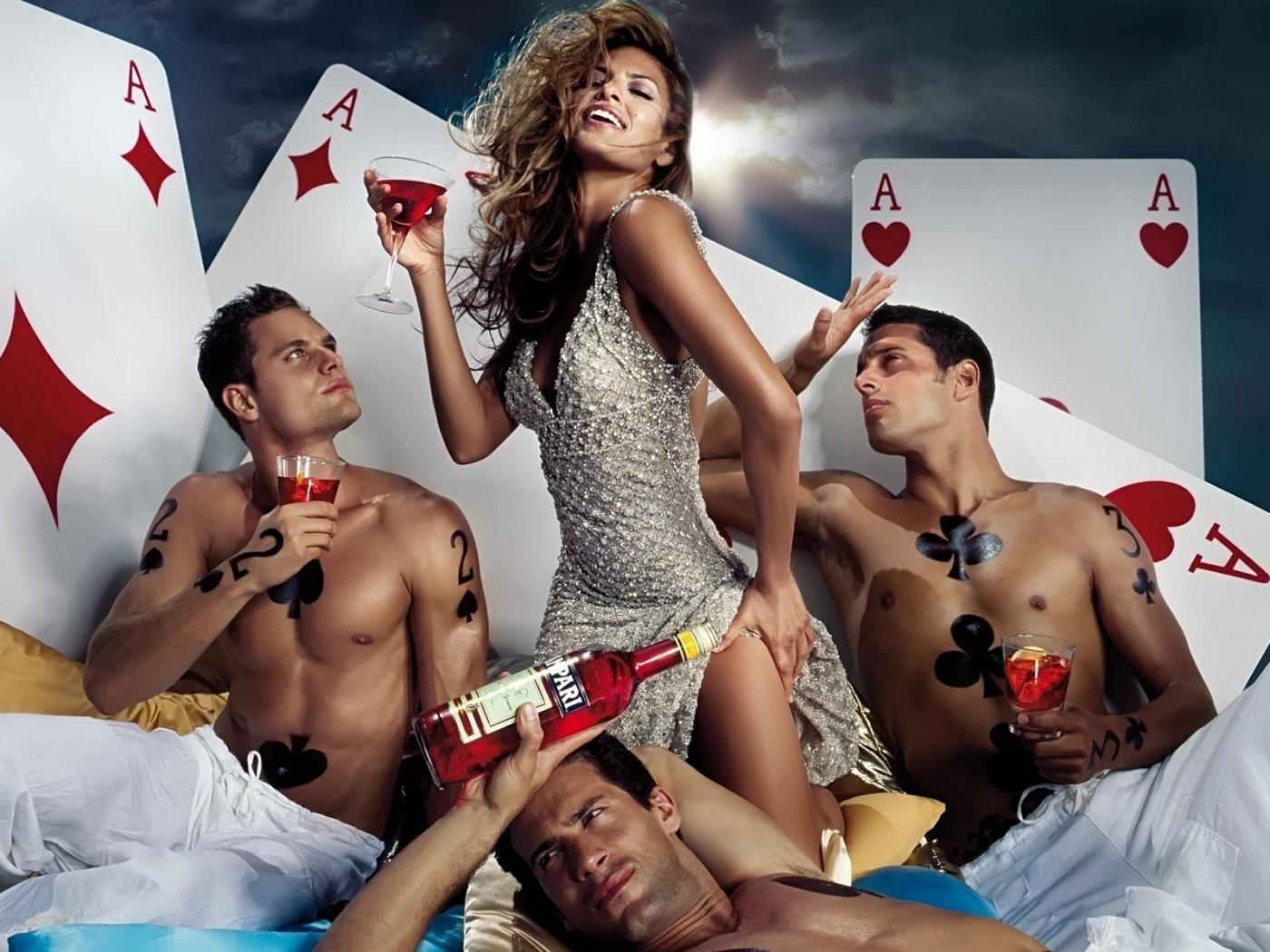 сами напились, сексуальные развлечения русских ролики сексапильными блондинками