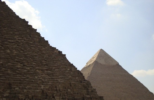 photograph picture of egyptian pyramids