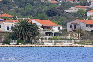 Property Vinišće (Trogir) - Accommodation 10006 - Apartments near sea with pebble beach.