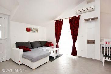 Apartment A-10008-a - Apartments Vinišće (Trogir) - 10008