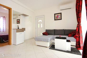 Apartment A-10008-b - Apartments Vinišće (Trogir) - 10008