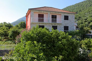 Property Trpanj (Pelješac) - Accommodation 10148 - Apartments with pebble beach.