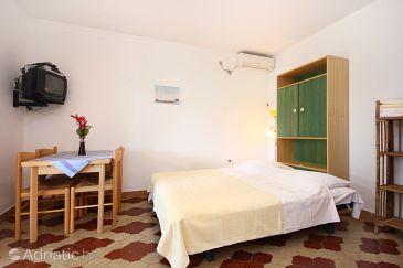 Mirca, Dining room u smještaju tipa apartment, dostupna klima i WIFI.