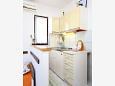 Marušići, Kitchen u smještaju tipa studio-apartment, dostupna klima i WIFI.