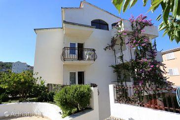 Property Podstrana (Split) - Accommodation 10249 - Apartments with pebble beach.