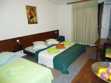 Room S-10266-c - Rooms Krilo Jesenice (Omiš) - 10266