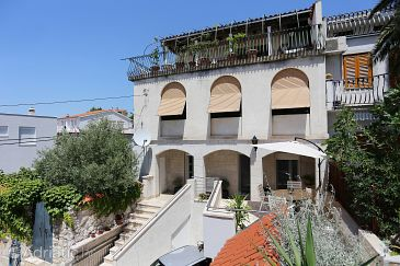 Property Podstrana (Split) - Accommodation 10311 - Apartments with pebble beach.