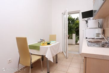 Seget Vranjica, Dining room u smještaju tipa apartment, dopusteni kucni ljubimci i WIFI.