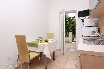 Apartment A-10328-b - Apartments Seget Vranjica (Trogir) - 10328