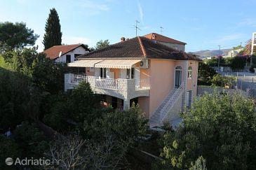 Property Okrug Gornji (Čiovo) - Accommodation 10343 - Apartments with pebble beach.
