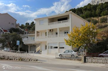 Property Omiš (Omiš) - Accommodation 10351 - Apartments with sandy beach.