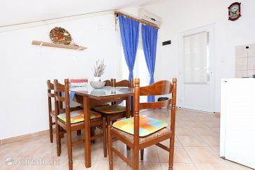 Apartment A-10353-d - Apartments Poljica (Trogir) - 10353
