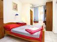 Bedroom 1 - Apartment A-10372-b - Apartments Seget Donji (Trogir) - 10372