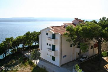 Property Medići (Omiš) - Accommodation 1047 - Apartments near sea with pebble beach.