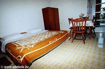 Živogošće - Mala Duba, Dining room u smještaju tipa apartment.