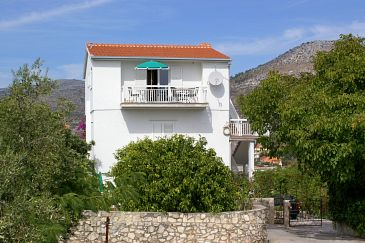 Property Seget Vranjica (Trogir) - Accommodation 1074 - Vacation Rentals near sea.