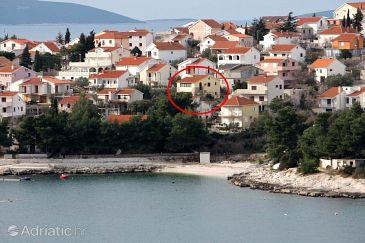 Bušinci, Čiovo, Property 1082 - Apartments blizu mora with pebble beach.