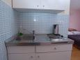 Kitchen - Studio flat AS-11007-b - Apartments Veliko Brdo (Makarska) - 11007