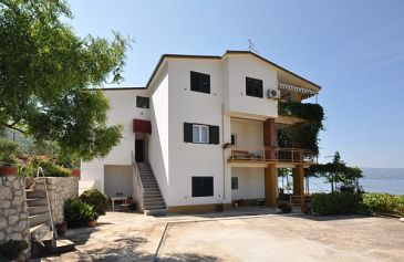 Property Omiš (Omiš) - Accommodation 11066 - Apartments with sandy beach.