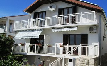 Property Petrčane (Zadar) - Accommodation 11115 - Apartments near sea with pebble beach.