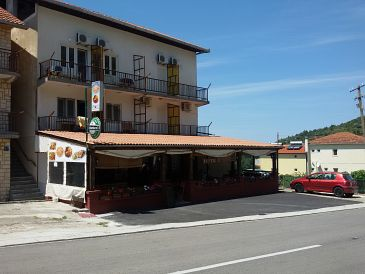 Podaca, Makarska, Property 11155 - Apartments blizu mora with pebble beach.