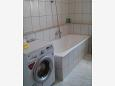 Bathroom 1 - Apartment A-11242-b - Apartments and Rooms Novigrad (Novigrad) - 11242