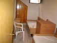 Bedroom 2 - Apartment A-11330-a - Apartments Drašnice (Makarska) - 11330