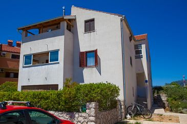 Property Cres (Cres) - Accommodation 11342 - Apartments with pebble beach.