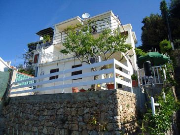 Property Stanići (Omiš) - Accommodation 11379 - Apartments near sea with pebble beach.