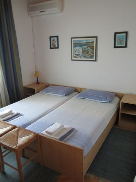 Room S-11452-d - Rooms Starigrad (Paklenica) - 11452