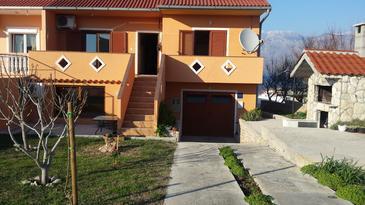 Property Ražanac (Zadar) - Accommodation 11476 - Apartments with pebble beach.