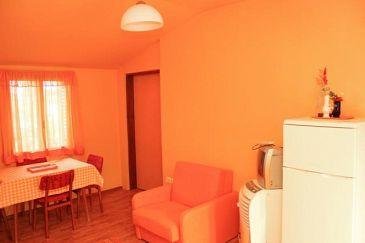 Veli Lošinj, Dining room u smještaju tipa apartment, dostupna klima.