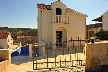 Property Sutivan (Brač) - Accommodation 11496 - Vacation Rentals with pebble beach.