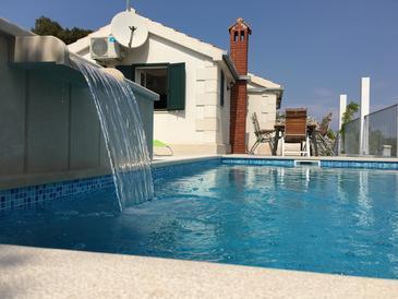 Property Škrip (Brač) - Accommodation 11498 - Vacation Rentals with pebble beach.