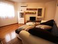 Podstrana, Living room u smještaju tipa apartment, dostupna klima i WIFI.